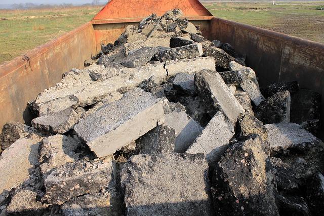 Co zrobić z odpadami budowlanymi czyli wywóz gruzu