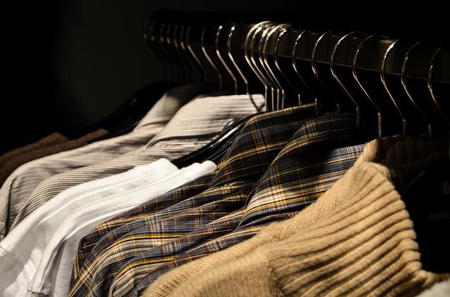 Sprowadzam odzież używaną męską do swojego sklepu