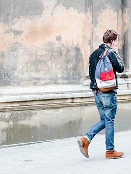 Read more about the article Trudności w kupowaniu męskich toreb