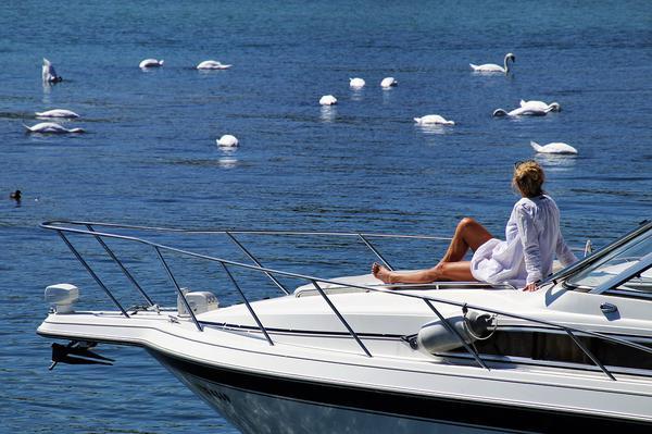 Wynajem łodzi motorowodnych na urlopie