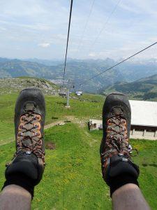 Read more about the article Lato w górach tylko w lekkim obuwiu