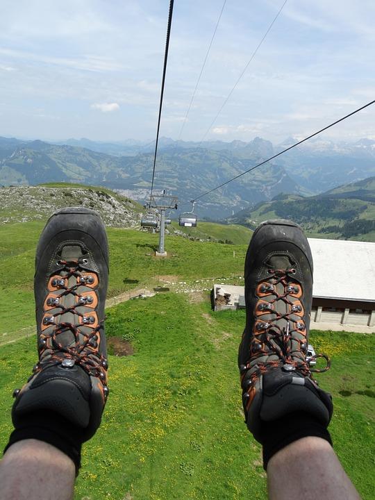 Lato w górach tylko w lekkim obuwiu