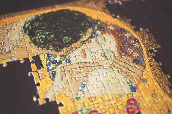 Prezent dla miłośnika sztuki – porcelana z Klimtem