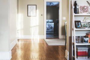 Read more about the article Jak wybrać odpowiednie drzwi do domu?